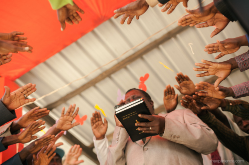 Holding up the Makonde New Testament