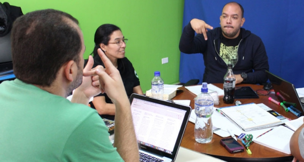 Bring God's Word to Life On Screen for the Deaf — Colombia
